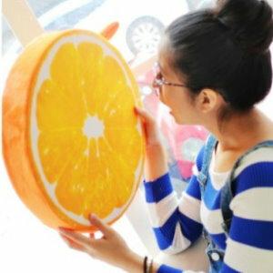 美麗大街【105032003H】KUSO搞怪造型水果 木頭 輪胎 蛋黃...坐墊抱枕