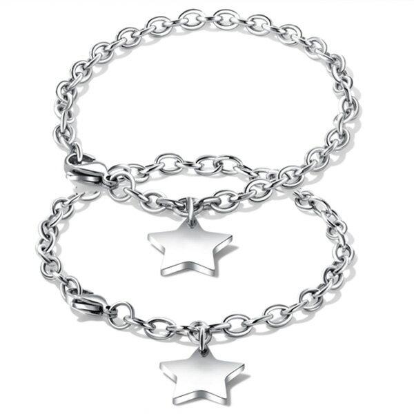 《QBOX》FASHION飾品【B100N926】精緻個性情侶素面星星造型鈦鋼對鍊手環(男女款)`