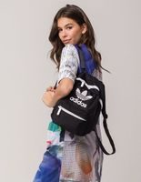 Adidas愛迪達,adidas愛迪達後背包推薦到KUMO SHOES-ADIDAS ORIGINALS MINI BACKPACK 三葉草 黑 後背包 5145051