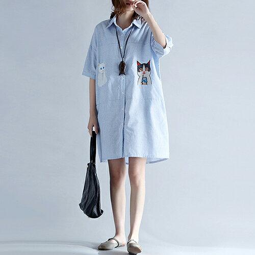 豎條紋繡花貓咪中長款襯衫裙(藍色L~XL)【OREAD】 - 限時優惠好康折扣