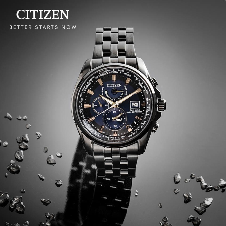 清水鐘錶 CITIZEN 星辰 Eco-Drive 競速賽車電波計時腕錶 黑 金 AT9039-51L 44mm