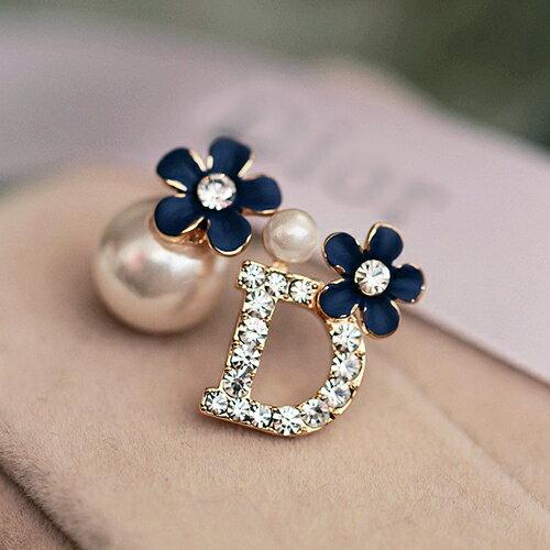 ~BOBI~02 1韓系甜美可愛不對稱鑲鑽珍珠字母耳環~TS298~