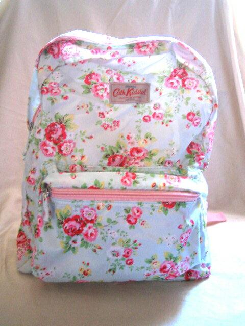 *Realhome*英國 Cath Kidston 防水後背包 可收納 淺藍玫瑰花