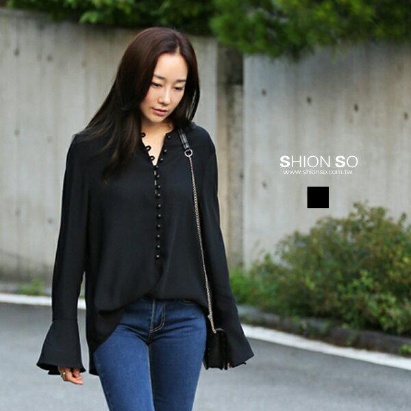 享瘦衣舍中大尺碼【B1943】排扣喇叭袖襯衫