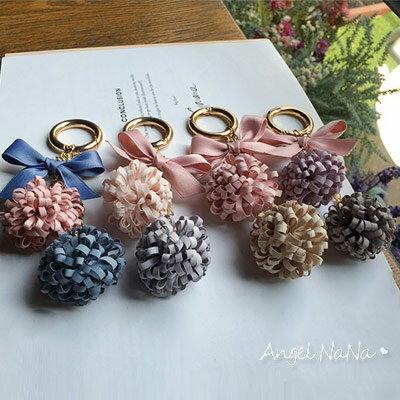 毛球鑰匙圈。正韓國直送 花朵毛球布藝 蝴蝶結 汽車吊飾 包包吊飾【RA0036】