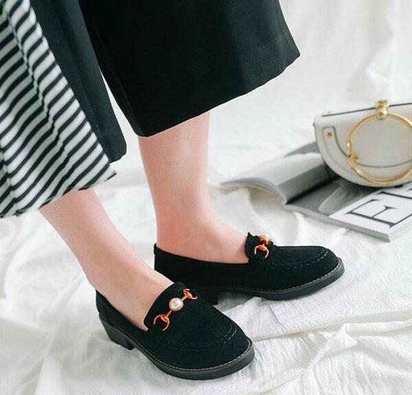 Pyf♥韓版復古金屬珍珠馬蹄釦休閒鞋新款厚底樂福鞋絨面懶人鞋44大尺碼女鞋