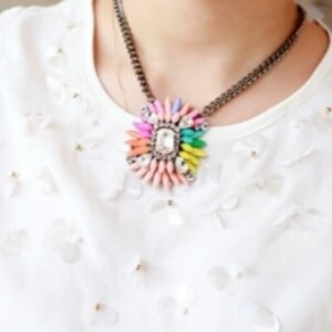 美麗大街【GX425】彩虹女配色彩色寶石混搭水晶材質誇張短項鍊