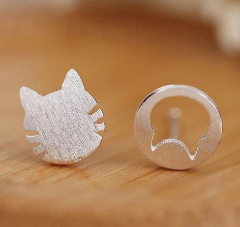 Tokyo Alice 925純銀貓咪鏤空不對稱耳環,飾品首飾耳飾貼耳針飾品^(se000