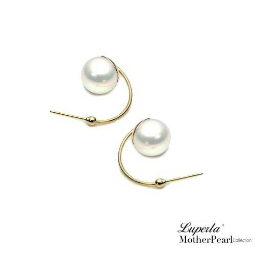 大東山珠寶 璀璨奢金 金屬風南洋貝寶珠耳環 1