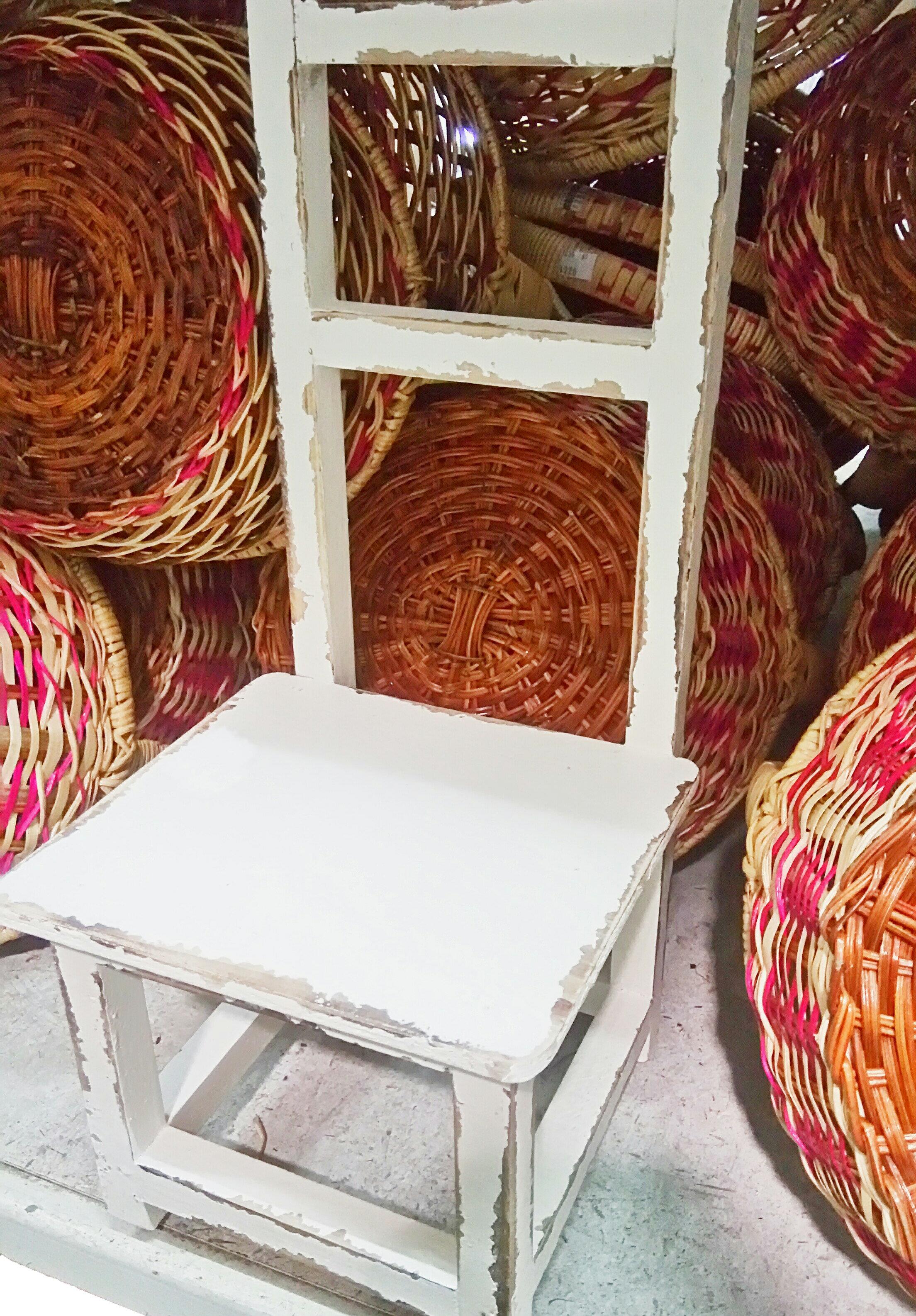 仿舊 歐洲鄉村風 木製 白色椅子 可當花架 擺飾 造景 攝影 櫥窗設計
