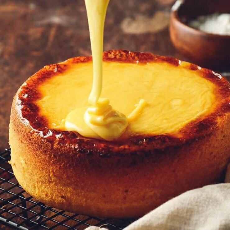 日式岩燒起司蜂蜜蛋糕~ 看似平凡卻留著不平凡的滋味~來自 戚風蛋糕的舌尖美味~濃郁的蜂蜜香