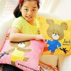 美麗大街【104041508】上學小熊熊熊方型抱枕