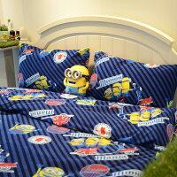 床包兩用毯組 / 雙人加大-暖呼呼搖粒絨【小小兵-前進英倫】含兩件枕套,發熱保暖,戀家小舖,台灣製