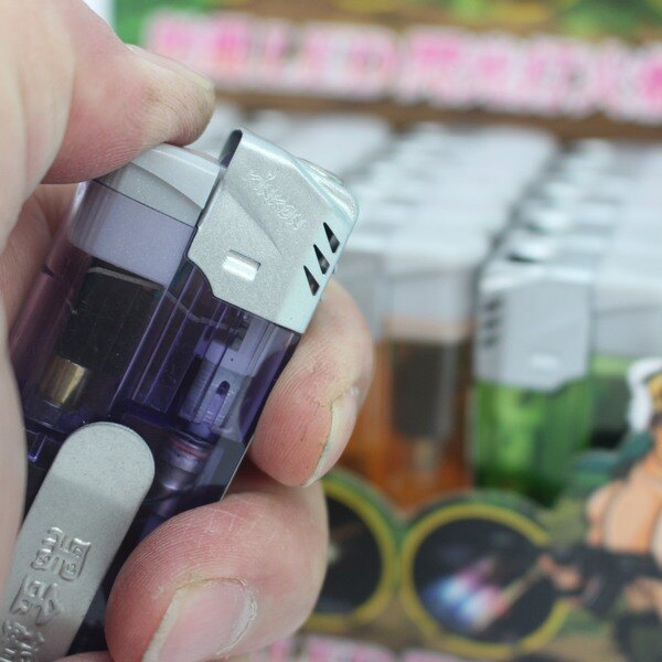 LED防風打火機 K-52 LED燈便利夾設計閃光打火機 / 一個入 { 定30 }  黑金鋼打火機 4