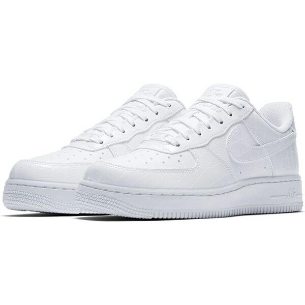 【NIKE】WMNS AIR FORCE 1 07 ESS 透氣孔 休閒鞋 運動鞋 白 女鞋 -AO2132100