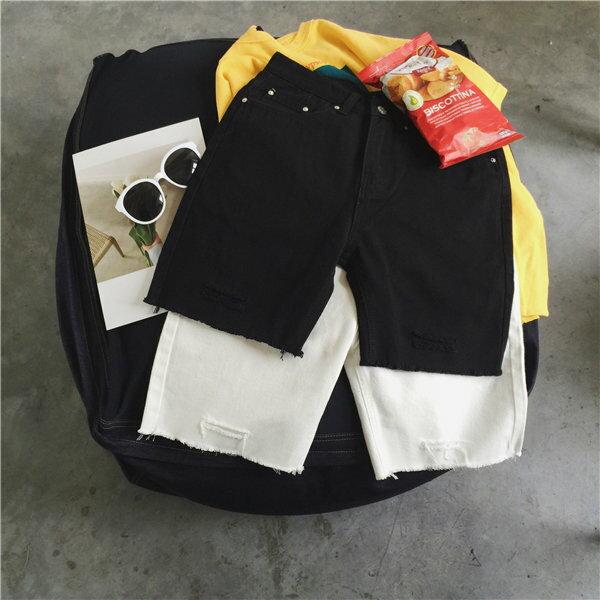 FINDSENSE MD 韓國 休閒 時尚 男 複古黑白色 簡約破洞 貓須 直筒寬鬆 休閒短褲 牛仔短褲