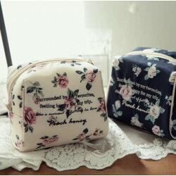 韓國純棉復古花朵化妝包刺繡字母小號化妝收納包立體梯形隨身包外出旅行收納♥寶兒私櫥♥【18H102304】