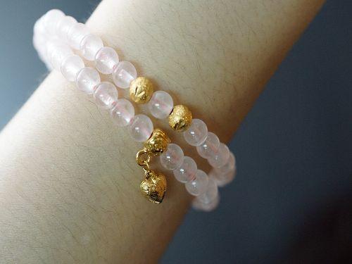 【喨喨飾品】粉紅色的柔和顏色偶會發出星光般的光芒