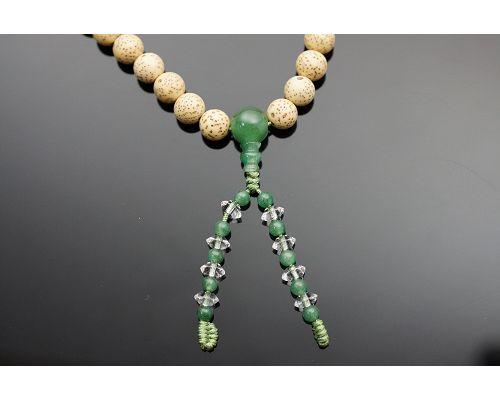 54顆星月菩提子佛珠成為菩提子佛珠的代表,受到四眾弟子的高度推崇,似乎成為佛教徒學佛歷程中的必然需之物。有人認為星月菩提並不起眼,其實不然。因為星月菩提子是一種植物的種子,種子一般都含有豐富的油脂。東菱