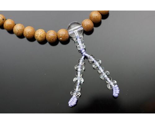 54顆星月菩提子佛珠成為菩提子佛珠的代表,受到四眾弟子的高度推崇,似乎成為佛教徒學佛歷程中的必然需之物。有人認為星月菩提並不起眼,其實不然。因為星月菩提子是一種植物的種子,種子一般都含有豐富的油脂。白水晶