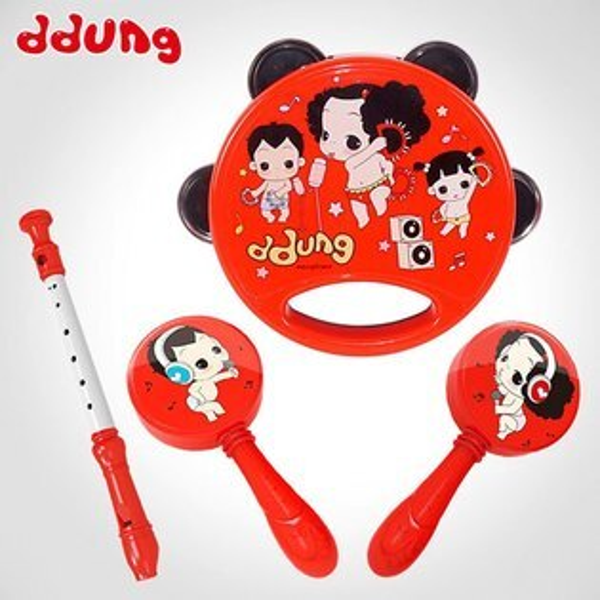 【888便利購】【ddung韓國冬己娃娃】4件式兒童樂器組(笛子+手鈴鼓+沙搖鈴)