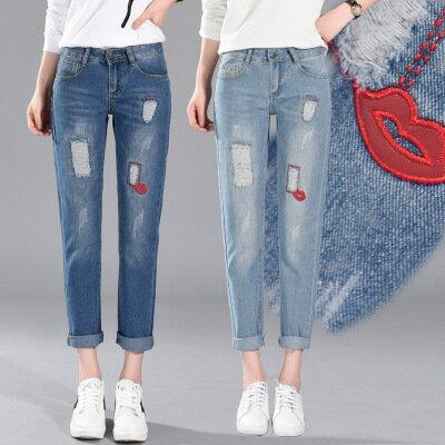 現貨!1件就免運-休閒破洞紅唇牛仔褲九分褲 2色 26-34W /  樂天時尚館。 0