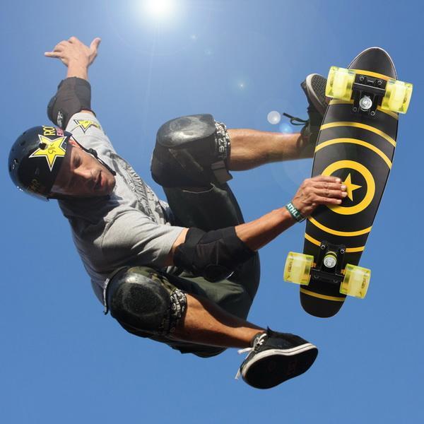 22inch Mini Cruiser Style Skateboard Outdoors Fun Wooden Skate Board with LED Light Wheels 0