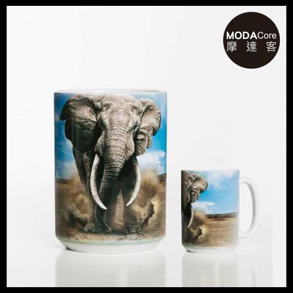【摩達客】(預購)美國TheMountain趕路非洲象圖案設計藝術馬克杯440ml