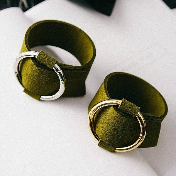 PS Mall 韓版秋冬新款 時尚簡約 高品質仿麂皮金屬圓環手鏈 寬手鐲【G2384】