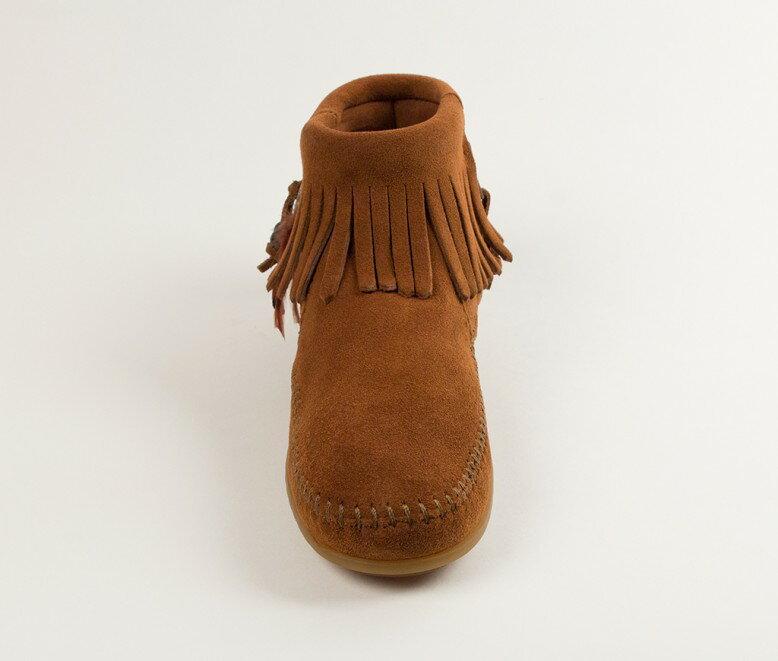 【Minnetonka 莫卡辛】棕色  - 麂皮流蘇羽毛踝靴 5