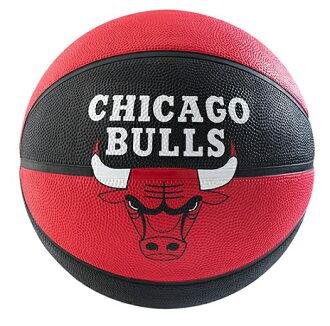 [陽光樂活] 斯伯丁 SPALDING 戶外橡膠籃球 NBA 隊徽球 公牛 Bulls 籃球 7號 SPA83173 贈球網 球針
