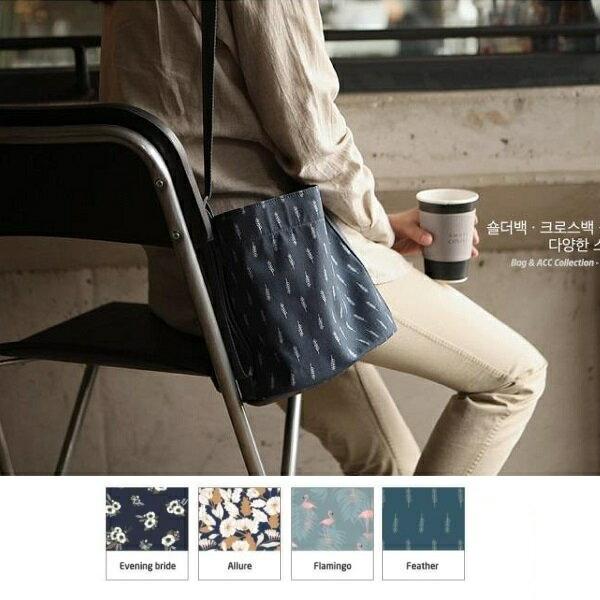 韓版 清新 印花款斜背包 側背包 肩背包 相機包 隨身包 萬用包 媽媽包 收納 旅行【RB435】