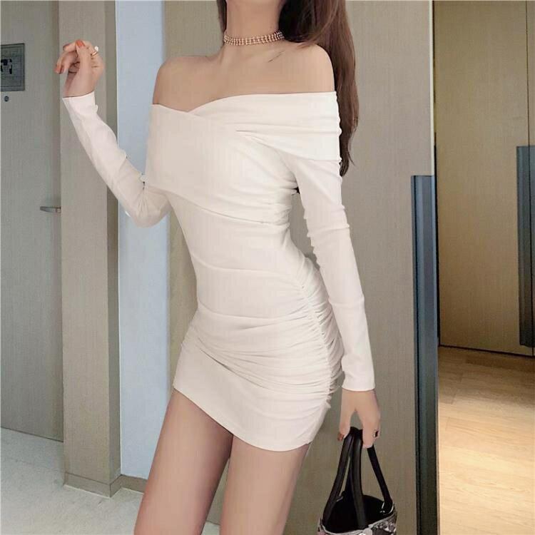 2021新款蹦迪女裝一字肩抹胸性感修身緊身褶皺黑色春夏包臀洋裝 摩可美家