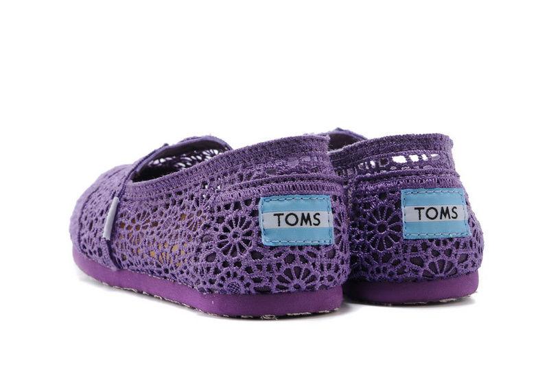 全店點數20倍│【TOMS】深紫色蕾絲鏤空繡花平底休閒鞋  Purple Crochet Women's Classics 4