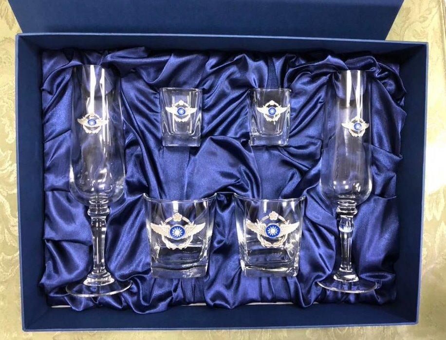 空軍杯 禮盒組 空軍徽 立體徽 威士忌杯 列酒杯 香檳杯 一組6入 (獨家販售)【嘎嘎屋】 2