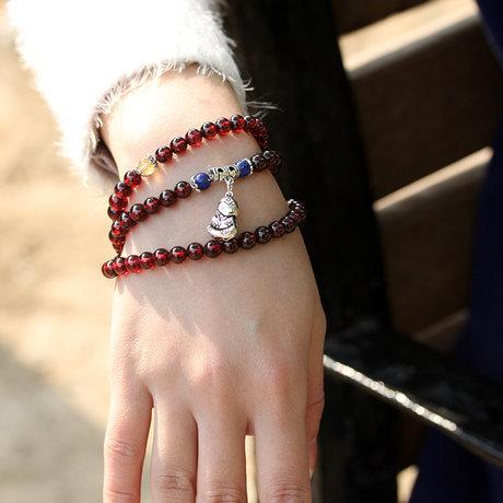 流行飾品 水晶酒紅石榴石多層佛珠纏繞手鏈女款