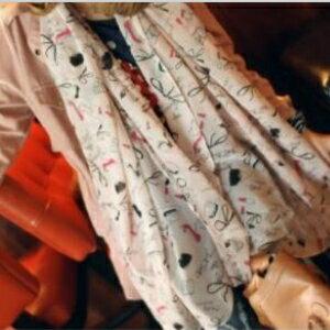 美麗大街【KTW001】口紅高跟鞋 雪紡圍巾 可愛塗鴉防曬披肩紗巾