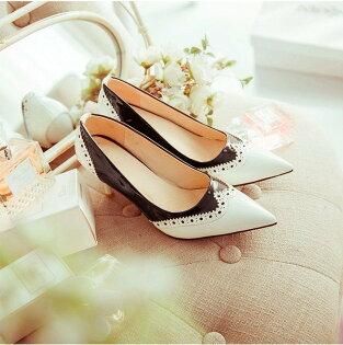 Pyf♥英倫風漆皮雕花黑白紅黑撞色尖頭高跟鞋43大尺碼女鞋