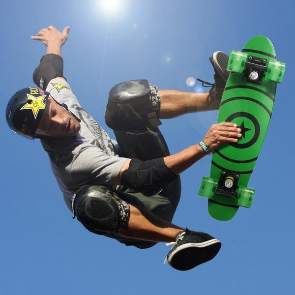 22inch Mini Cruiser Style Skateboard Outdoors Fun Wooden Skate Board with LED Light Wheels 1