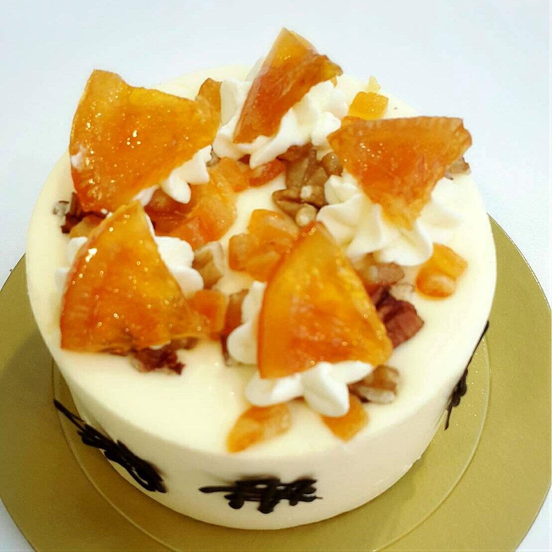 ~~伯爵香橙乳酪~~堅果 柑曼怡香橙慕斯,為綿密的慕絲增加些許的口感 美食    甜點