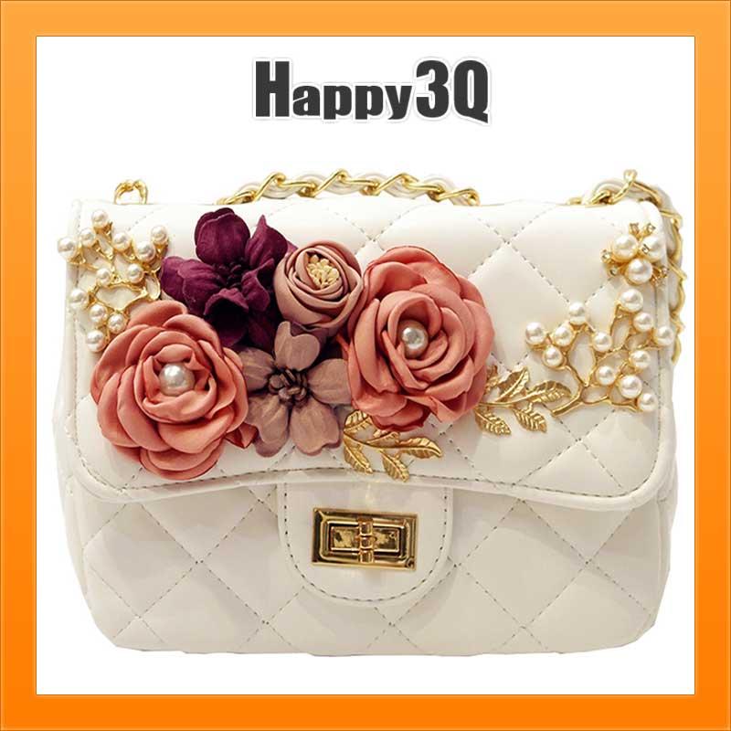 浪漫百搭 珍珠花朵鑲金菱格紋金屬鍊條雛菊玫瑰單肩斜背手提小包包~白  黑  粉~AAA14