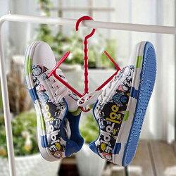 【省錢博士】實用多功能曬鞋架可折疊活動式曬協掛勾  / 懸掛式鞋架 /  顏色隨機