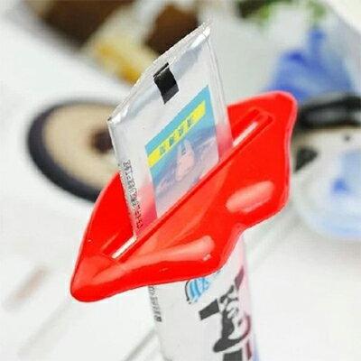 【省錢博士】嘴唇擠牙膏器 / 多用擠壓器牙膏伴侶 單個 / 隨機色
