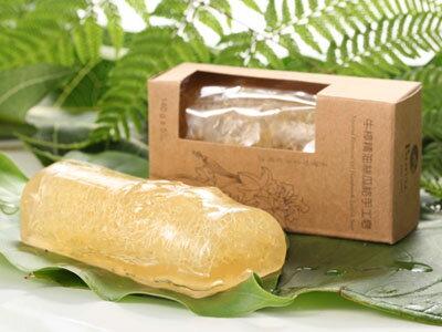 牛樟精油絲瓜絡手工皂
