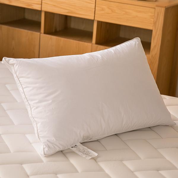 三燕眠之初 — 天然水鳥羽毛枕/五星級飯店專用/超飽實完美比例填充