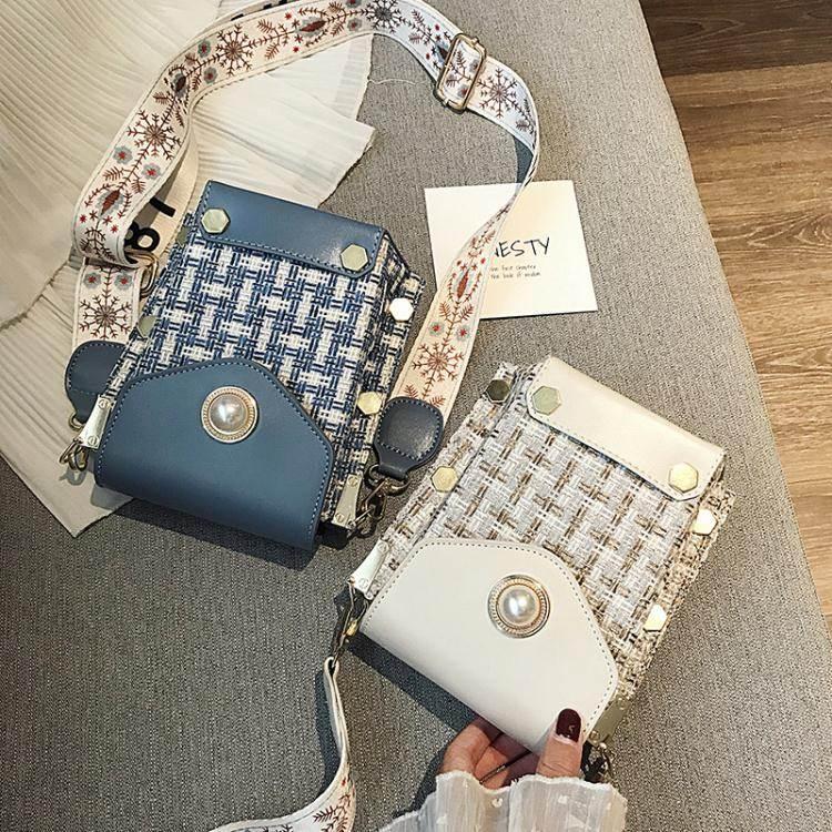手機斜背包上新小包包女2020新款韓版呢子手機包時尚斜背小方包潮寬帶側背包