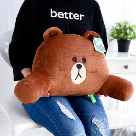 正版熊大舒適腰部靠枕 護腰墊 靠腰墊 腰墊 靠墊 靠腰枕 抱枕 靠墊 靠枕 娃娃 LINE 熊大【B062549】