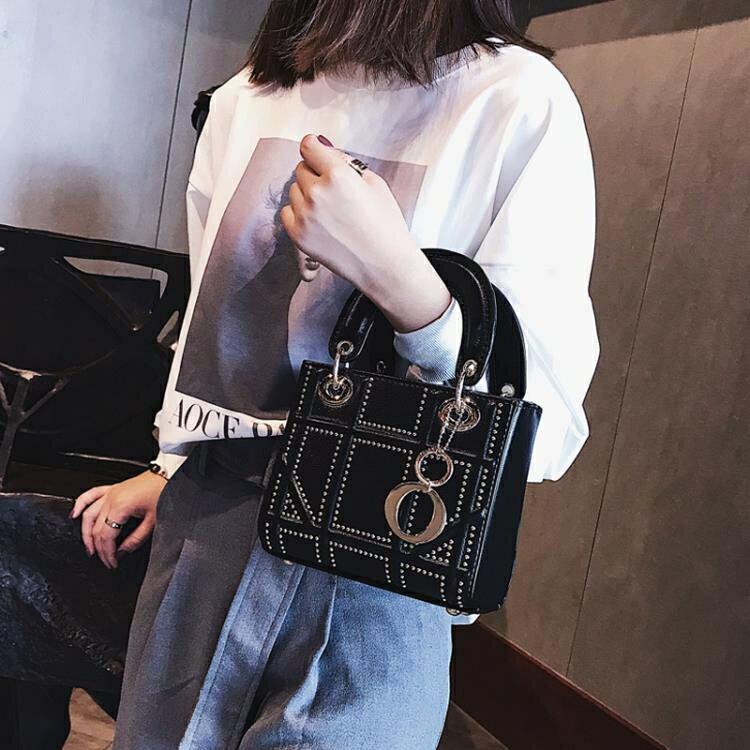 小方包 包包女新款mini鉚釘菱格小方包時尚簡約手提包單肩斜背包