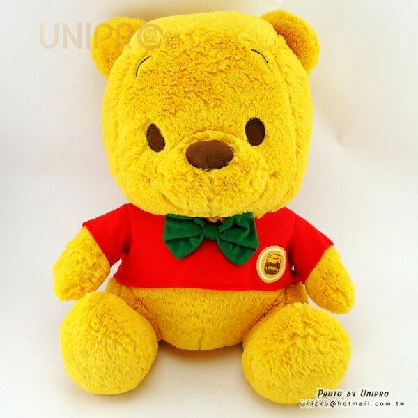 【UNIPRO】紅衣綠領結小熊維尼WinniethePooh40公分坐姿絨毛玩偶娃娃畢業生日禮物迪士尼正版授權