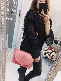 更衣間:韓國側背包